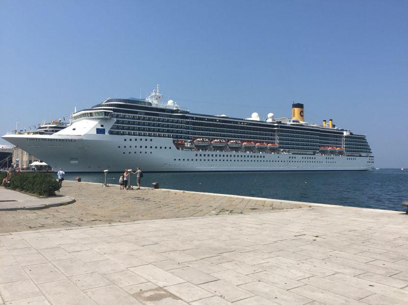 Costa mediterranea recensioni e opinioni for Costa mediterranea ponti